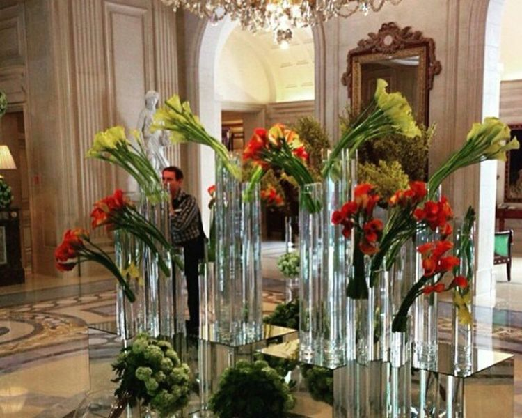 Relaxing Enjoying Life Luxurylifestyle  Flowers Portrait Luxuryhotel