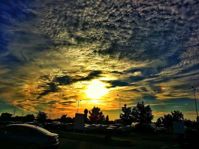 Sunset #sun #clouds #skylovers #sky #nature #beautifulinnature #naturalbeauty #photography #landscape EyeEm Best Shots Beautiful Day Clouds And Sky