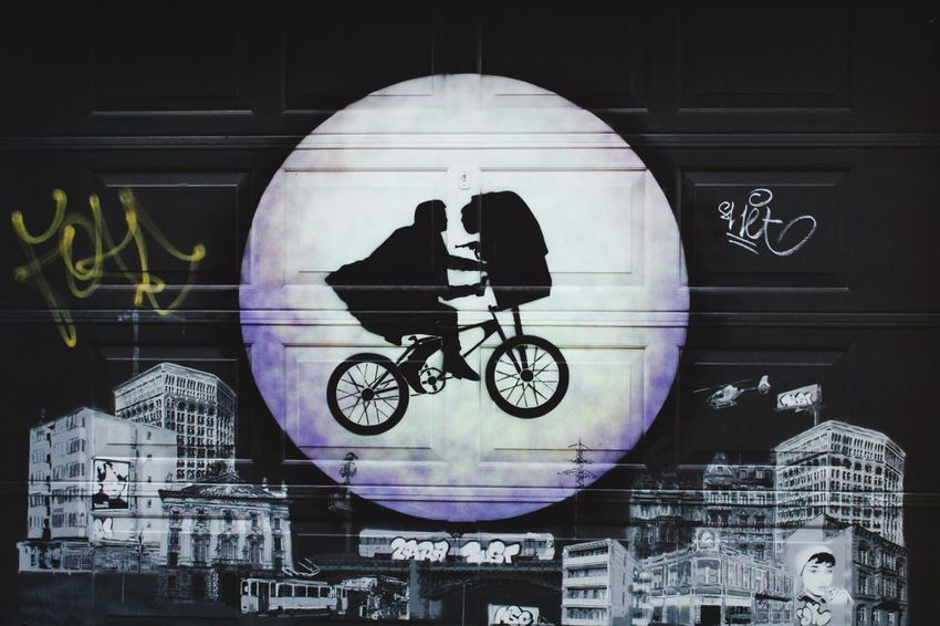E. T. phone home!! Streetphotography Taking Photos Street Art Alien Bicycle Movies