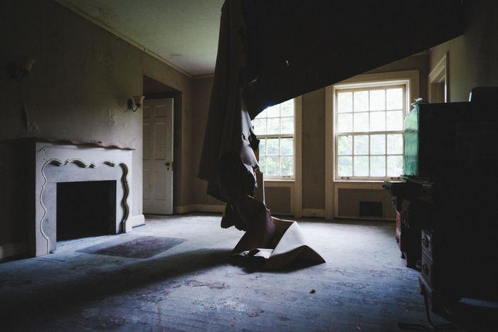 abandoned mansion in Fairlawn, OH Abandoned Ohio Abandoned Places Urban Exploration Abandoned Haunted Mansion Urbex Vintage Breathing Space
