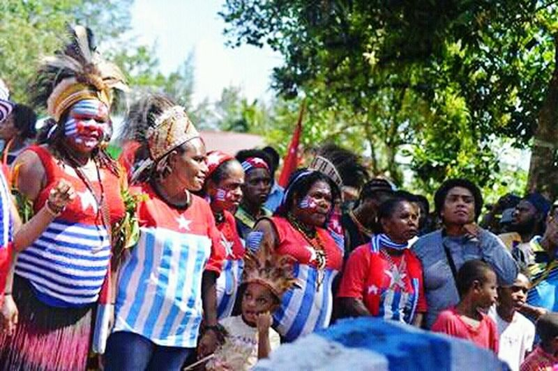 West Papua People Papua Free Of Indonesia Colonial West Papua Want To Free Of Indonesia Colonial. West Papua Politic Of Freedom West Papua Culture West Papua Flag Social Issues Countrylife Patriotism West Papua Girl West Papua Women Uniform Of West Papua Tradition Large Group Of People West Papua Tradition