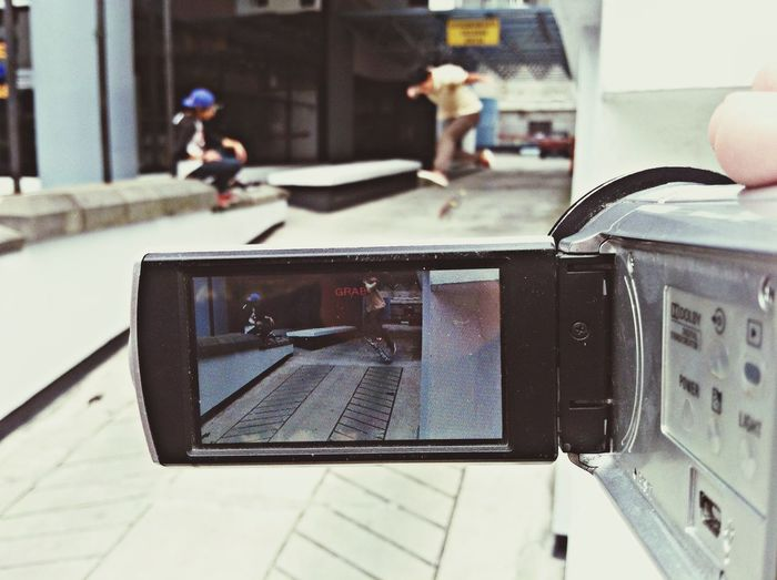 Skatelife Skate&friends Skateboarding Film one day of street in Quito