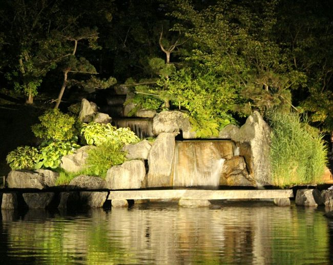Taking Photos Check This Out Hello World Waterfeature Japanese Garden Waterlandscape Smallwaterfall Waterfall Nature Beauty In Nature Nature Photography Outdoor Photography Outside Photography Limburg Outside Bynight