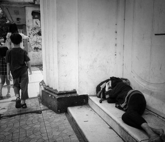 Sleeping tightly... Streetphotography Blackandwhite Bw_collection IPhoneography