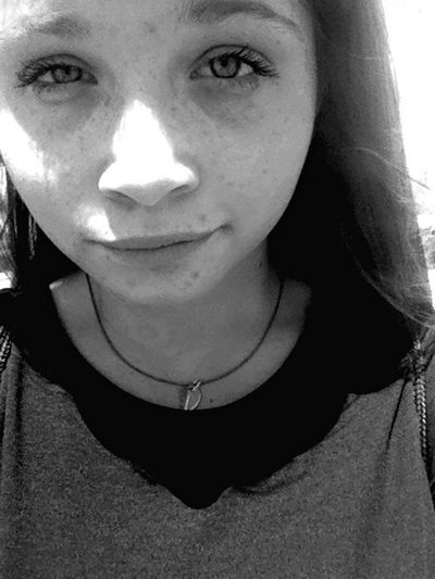 Backagain Blackandwhite Selfportrait Smile 👽