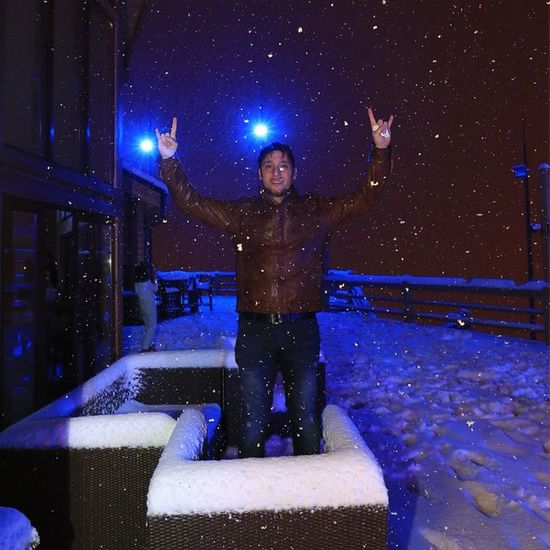Rikki'z#faraya#lebanon#snow#snowing#cold#outdoor#balcony#snowball#ice#roads#me#lights#on#tye#table