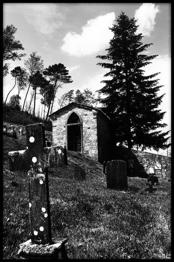 old mountain cemetery Architecture Toscana ITALY Instagood Photos Around You Photographic Memory Streetphotography_bw Blackandwhite Photography Toscanartistica Picoftheday Enricofallico EyeEm Gallery Blackandwhitephotography Eyemphotography Week Of Eyeem Black And White Collection  Photooftheday Photo Girl #girls #love #TagsForLikes #TFLers #me #cute #picoftheday #beautiful #photooftheday #instagood #fun #smile #pretty #follow Bella Italia Tuscany Countryside