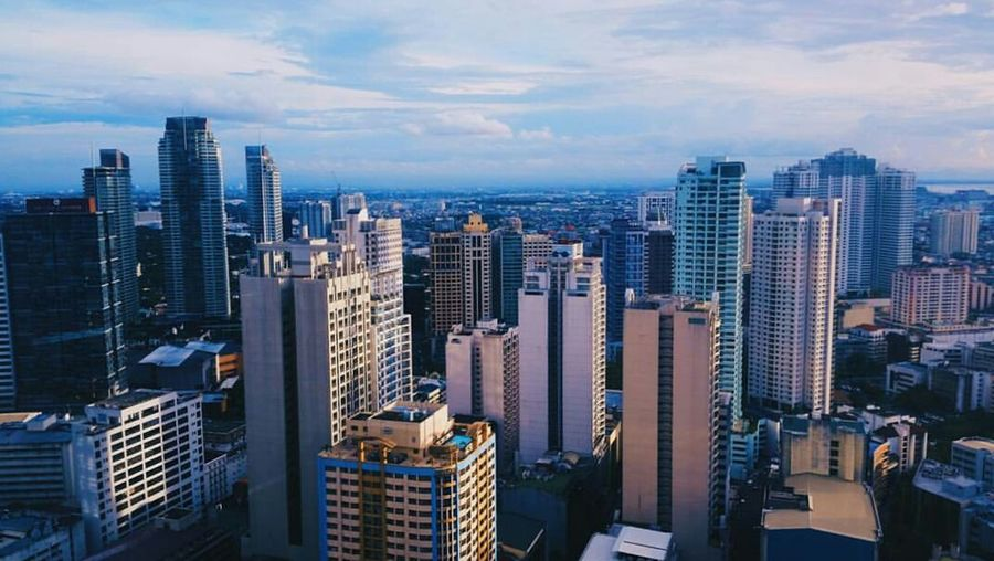 Skyscraper City Urban Skyline Architecture Cityscape Aerial View Travel Business Finance And Industry Modern Sky Tourism Business High Up Night No People Outdoors Downtown District Makati Ayala Makati Ayalaavenue Samsungphotography Samsung Galaxy S5
