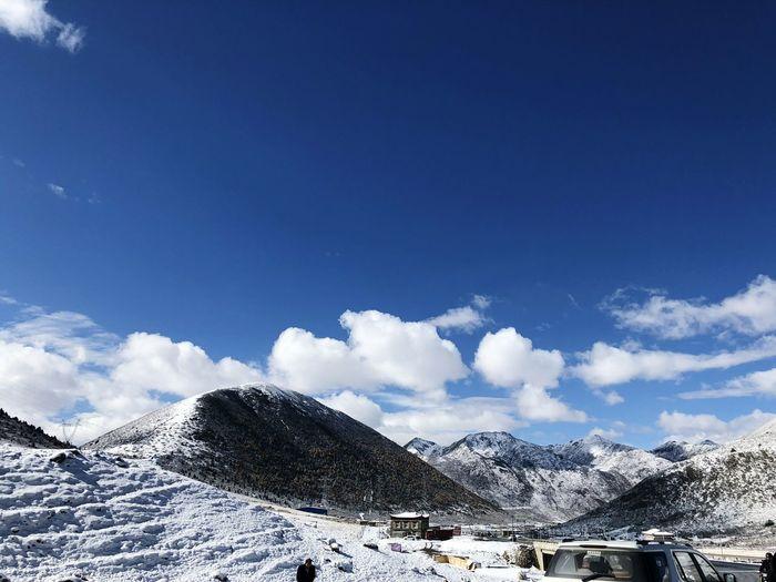 EyeEm Selects Mountain Snow Cold Temperature Winter Snowcapped Mountain Blue Sky Mountain Range Cloud - Sky