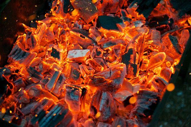 Outdoors огонь пламя уголь языки пламяни Hot Orange Color Flame Nature No People Wood - Material Wood Fire Firewood Camping Campfire Heat - Temperature