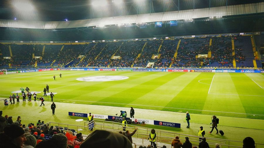 Stadium Sport Sports Team Audience Activity Team Sport Spectator Fan - Enthusiast Soccer Large Group Of People Match - Sport Adult People Men Competitive Sport Kharkiv Arts Culture And Entertainment Shakhtar Feyenoord Rotterdam Feyenoord Holland Green Color Green Architecture Illuminated