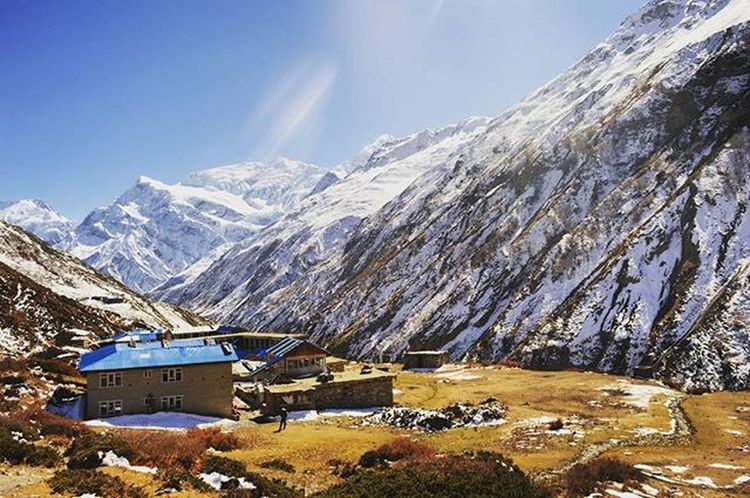 if you're searching for a beautiful place to get lost, you better start hiking annapurna circuit 😍😍 Annapurnacircuit Nepal Hiking Manang Throwback Nepal8thwonder