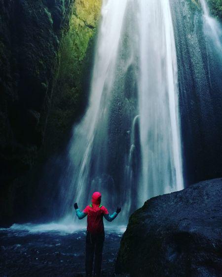 Fernweh - die schönsten Erinnerungen sollte man behalten 😍 Iceland Outdoors Wasserfall Travel Memories Fernweh Island Water Waterfall Beauty Headwear Motion Adventure