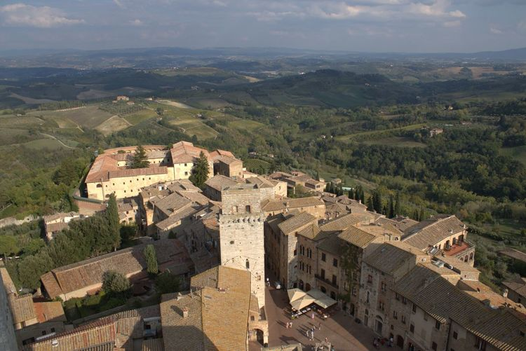 Cityscape Enjoying The View Exploring Italia Old Town Panorama Pitoresque San Gimignano Square Toscana Travel Traveling Tuscany View Detail Europe Italy Lifestyles Old Buildings Siena Stone Street Street Photography Village