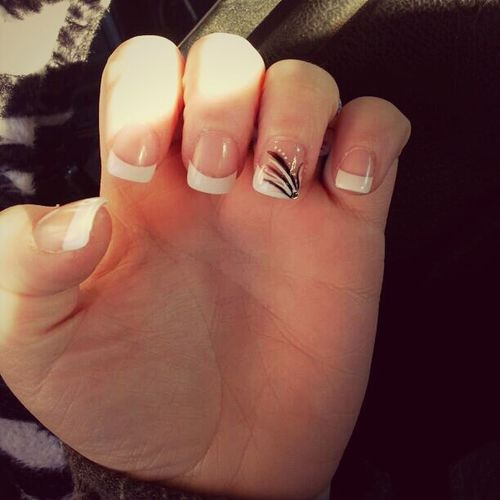 gpt my nails doneee today with the Bestfriend! ! (: