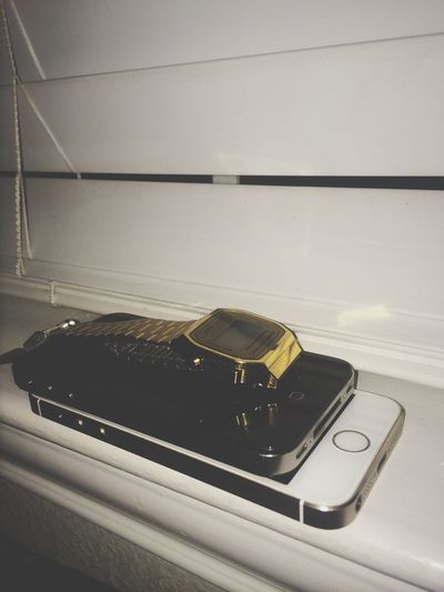 Late night photography. Vintage x Old x Modern. IPhone 5S IPhone 4S Casio Rose Gold