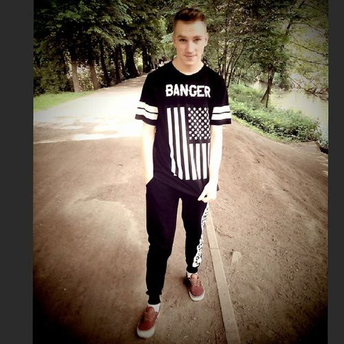 Bum Bum Bang BANGER Young Modelo Handsome Lifestyle Streetstyle Bad
