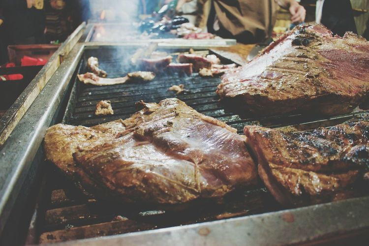 Hummm EyeEm Selects Food Meat Preparation  Roasted Barbecue Close-up Food And Drink Metal Grate Barbecue Grill Char-grilled Street Food Kebab For Sale Grilled Steak Skewer Deep Fried  Stall Concession Stand Rib