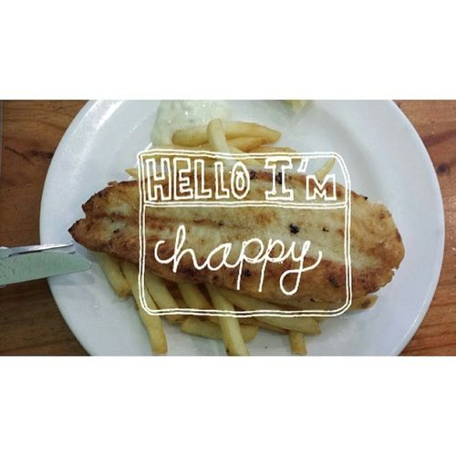 ^_^ This plate of grilled fish and chips made me so happy, like one satisfying lunch I had in a long time happy *beams* P. S / LOL I ended up Instagramming this ey (: Foodporn Fishiefishie Yum Whatdiet happygirl94 firsts studyday whatexams cravingsatisfied