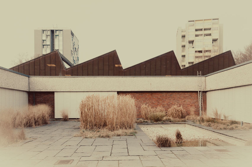 Architecture Berlin Photography Building Exterior Buildings Built Structure Day Filterphotography Hansaviertel Modern Architecture No People Patio Reeds Roof Sky