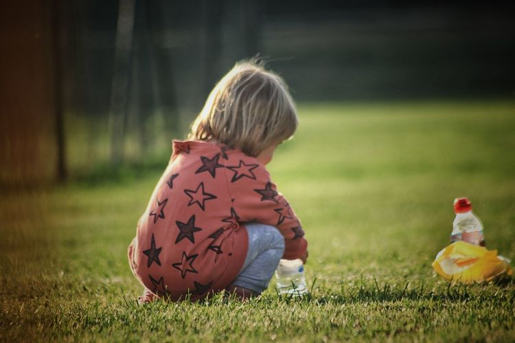 Childhood Child Offspring Grass One Person Blond Hair Hair Girls Toy Holding Innocence Nature Preschool Preschool Age Plant Playing Preschool Student Outdoors Nina Baby Photography Capture Tomorrow