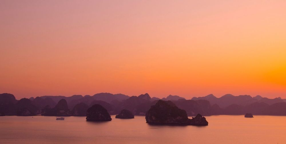 Halong Bay Vietnam Nature Beach Holiday Color Explosion Melancholic Landscapes Ambient Sightseeing Traveling Halong Bay Vietnam
