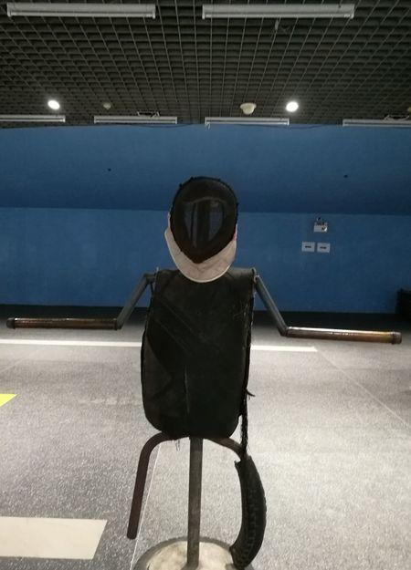 หุ่นฟันดาบ Indoors  Adult Day People Swordsman Fechten Appel Épée Gauntlet