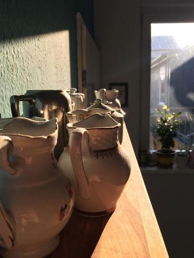Shelfie the Kännchen Edition Nofilter Light And Shadow Soaking Up The Sun Draußen Nur Kännchen