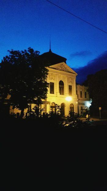 Night Morning Nightphotography Town Building Historical Building Sky Black Enjoying Life Taking Photos