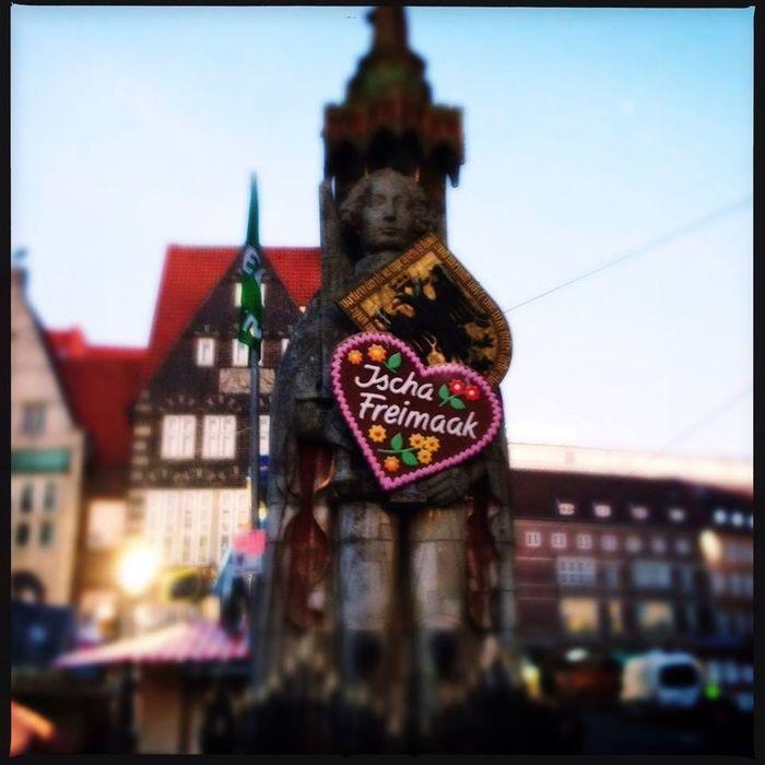 Roland Bremer Roland Bremer Freimarkt Ischa Freimaak Monuments Denkmal Statue Colors Colours Hipstamatic