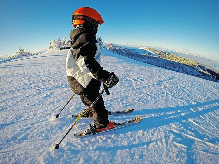 Adrenaline Junkie My Winter Favorites Washington Adventures Childsplay Go Skiing Playing Mountain Life Skier On The Move Pacific Northwest  Snowscape Growing Better Mountain_collection Skiing Small And Swift Snow Sports