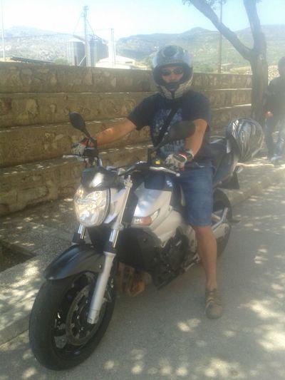 Today motorbike output with some friends.....Hoy salida motera con unos amigos. ..... That's Me Hi! Hello World Suzuki