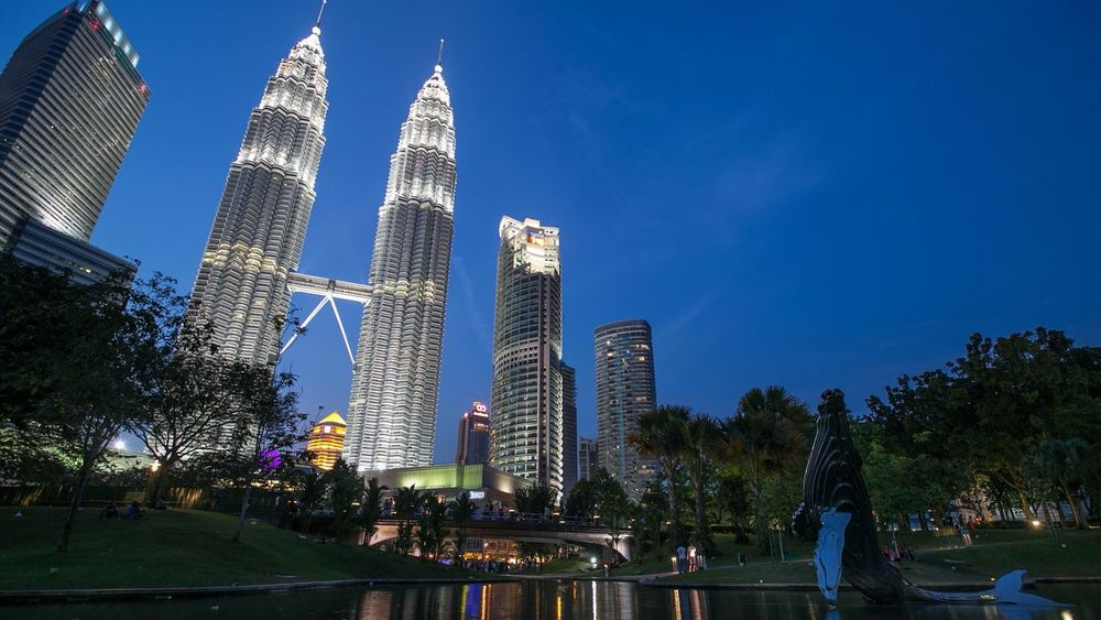 Petronas Twin Towers Suria KLCC Cities At Night