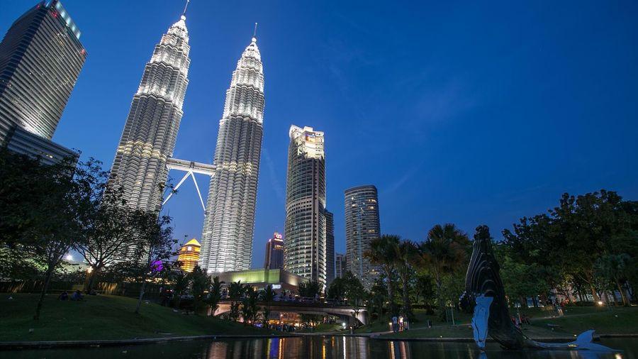 Petronas Twin Towers Suria KLCC Cities At Night