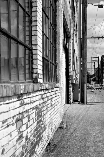 Alley Alleyway Architecture B&w Building Building Exterior Built Structure City Day No People Outdoors Sky Window