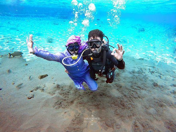 Ajeng+Fajar.. Savetheearth Paradesignphotography Prewedding Underwaterphotography INDONESIA Hello World
