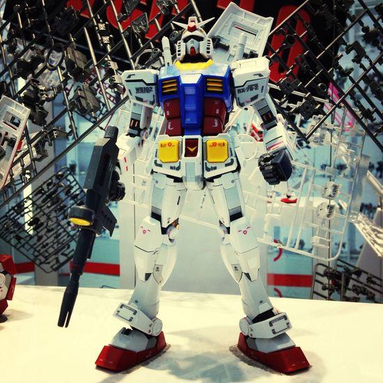 Gundam Otaku Plastic Model Robot