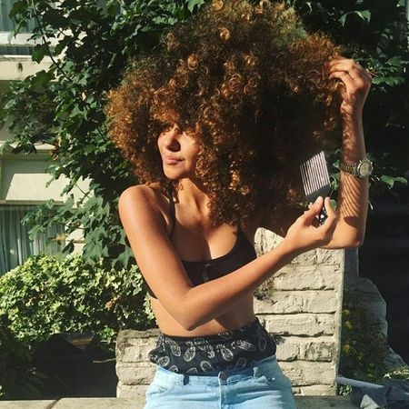Afro Curly Hair Natural Hair Beauty Aesthetics Gorgeous Fashion Urban Fashion Urbanstyle Longhair Long Hair Photography Hairgoals Afrohair Model