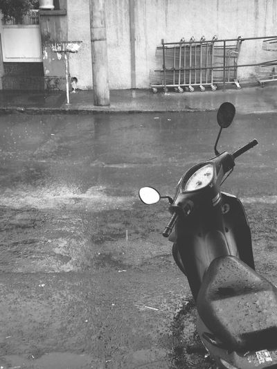 Street Streetphotography Taking Photos Lightroom 5 Moblie Lightroom Streetphotography_bw Streetphoto_bw Raining Rain Rainy Days