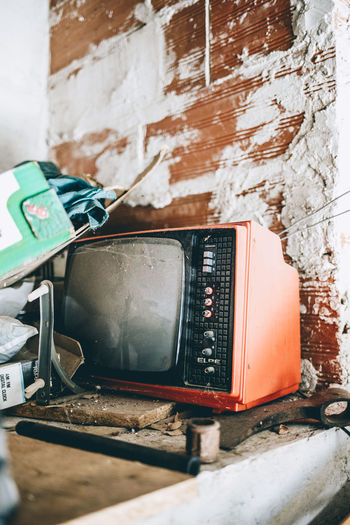 Grand pa's old TV Avila El Hornillo Gredos Abandoned Atmospheric Mood Attic Communication Damaged Grandad Tv Old Tv Old-fashioned Tv_urbex Urbex Urbexexplorer Urbexphotography Vintage Vintage Tv Weathered