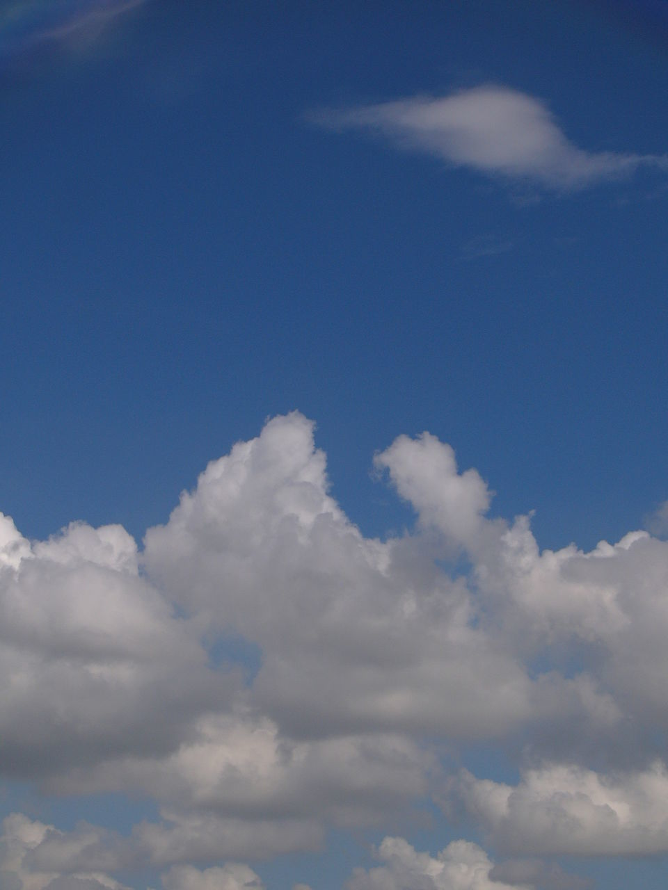 cloud - sky, sky, beauty in nature, nature, blue, sky only, cloudscape, tranquility, scenics, majestic, backgrounds, softness, low angle view, tranquil scene, no people, outdoors, day, full frame