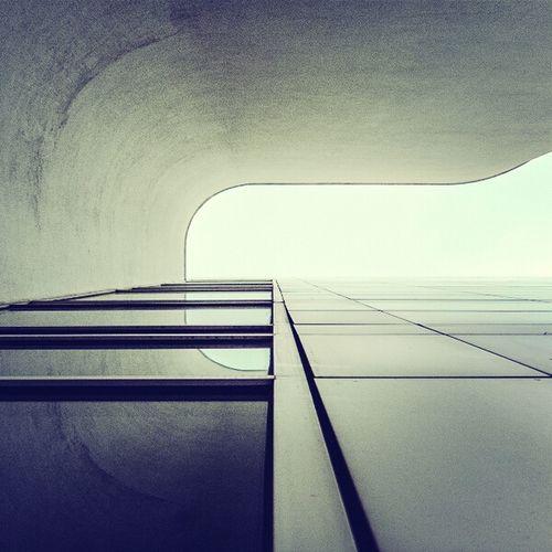 Looking from the corner of the eye | Mirando con el rabillo del ojo Architecture Exploring Minimal Architectural Detail Minimalism Urban Exploring Lookingup Minimalobsession Abstractarchitecture Minimalarchitecture