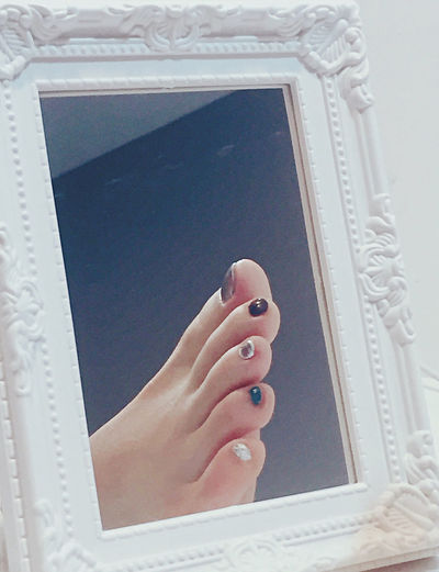 Close-up Colorful Day Grey Human Body Part Human Hand Indoors  Mirror Nail Polish One Person People Foot Sole Silver  Toenail Turcoise The Still Life Photographer - 2018 EyeEm Awards