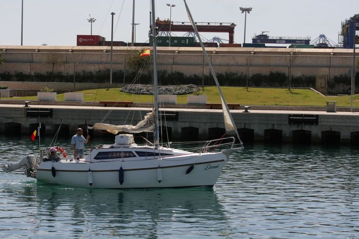 Boat Canal Harbor Marine Navigation Nautical Vessel Navegation Water Waterfront White Yacht Yacht Saiingboat Travel Sailing Boat Sailing Yacht Calm Water Calm Sea Sea On The Way