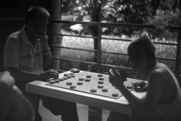 Play chinese chess in the retired life. Chess Lecia 50mm F2 Lifestyles Arts Culture And Entertainment Guangzhou,China