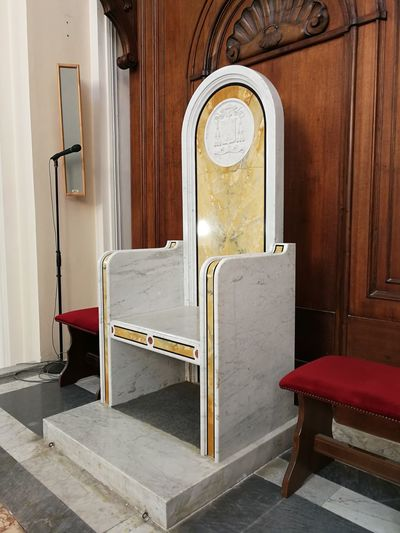 Seduta in marmo della Cattedrale si Alife Cattedrale Di Santa Maria Assunta Marmo Absence Abside Alife Architecture Bench Building Built Structure Cattedrale Chair Day Door Empty Furniture History Indoors  No People Relaxation Religione Seat Seduta Table Trono Wood - Material