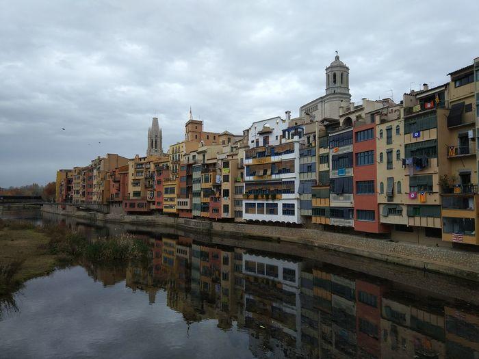 Architecture Cityscape City Outdoors No People Day Sky Urban Skyline Edificis Autumn🍁🍁🍁 River Riu Girona Cathedral Girona Onyar Catalunya