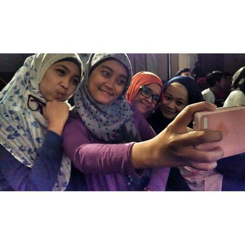 Happy together Friends at BogorPunyaMusic Snapseed Instashot nocrop Bogor instapic