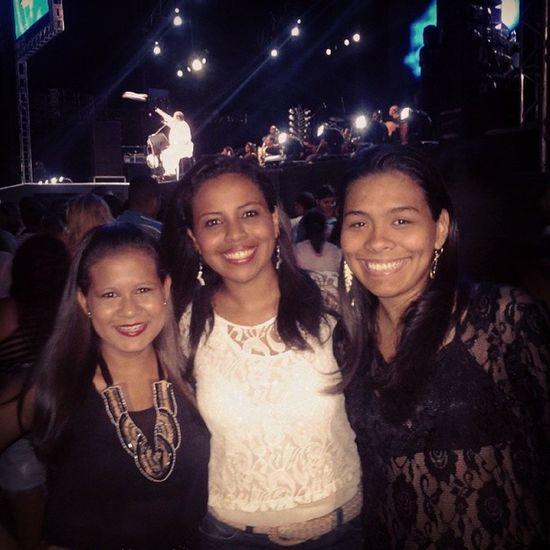 Amigas, irmãs e @arlindocruzobem ao fundo! *-* ♥ Sambelem Amigos ArlindoCruz Revelação SorrisoMaroto TurmaDoPagde