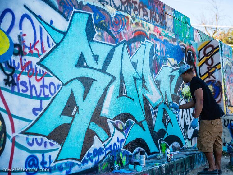 Check This Out Taking Photos EyeEmTexas Streetphotography Hopeoutdoorgallery Austintexas Graffitiporn Graffiti Art Graffiti Wall Graffiti & Streetart Austin Texas Graffiti Austintx